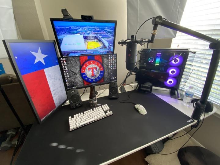 Show_Your_PC_Desk_Part199_76.jpg