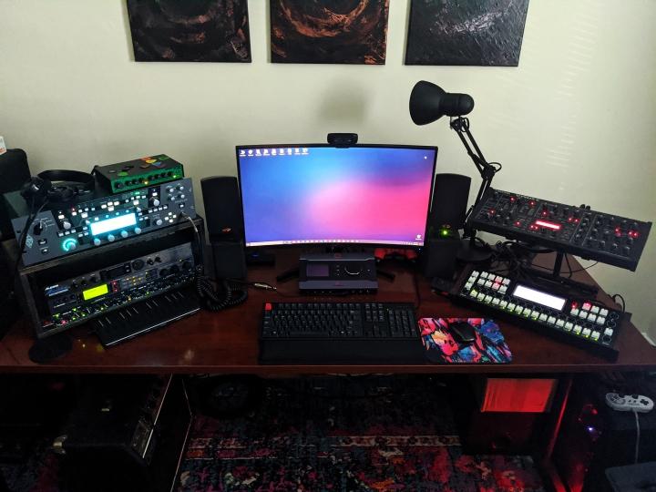 Show_Your_PC_Desk_Part200_02.jpg