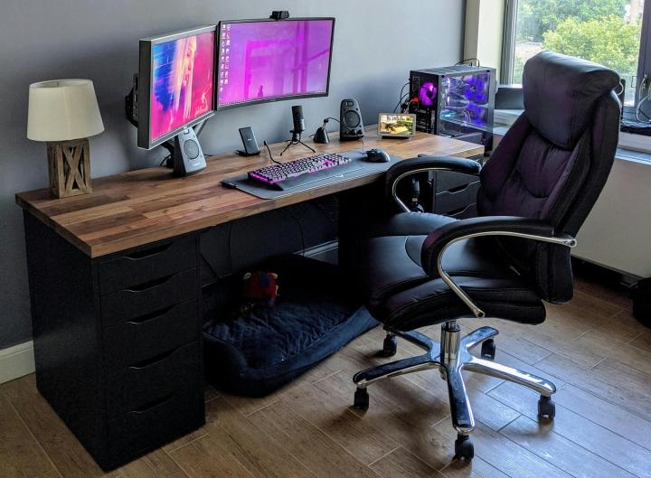 Show_Your_PC_Desk_Part200_100.jpg
