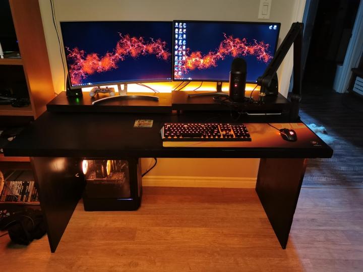 Show_Your_PC_Desk_Part200_33.jpg