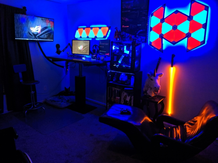 Show_Your_PC_Desk_Part200_38.jpg