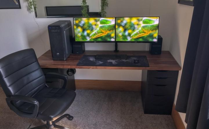 Show_Your_PC_Desk_Part200_43.jpg