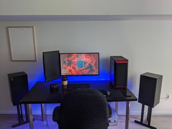 Show_Your_PC_Desk_Part200_59.jpg