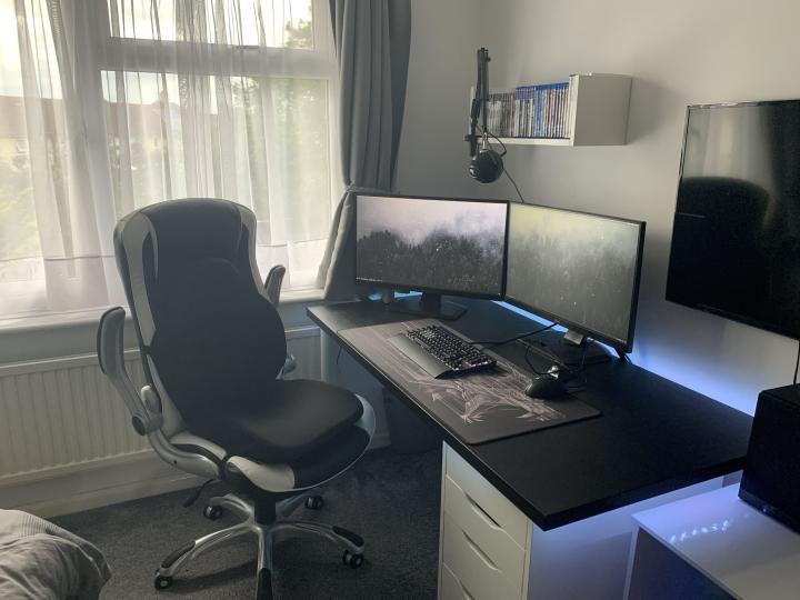 Show_Your_PC_Desk_Part200_62.jpg