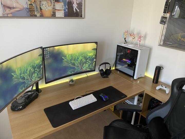 Show_Your_PC_Desk_Part202_23.jpg