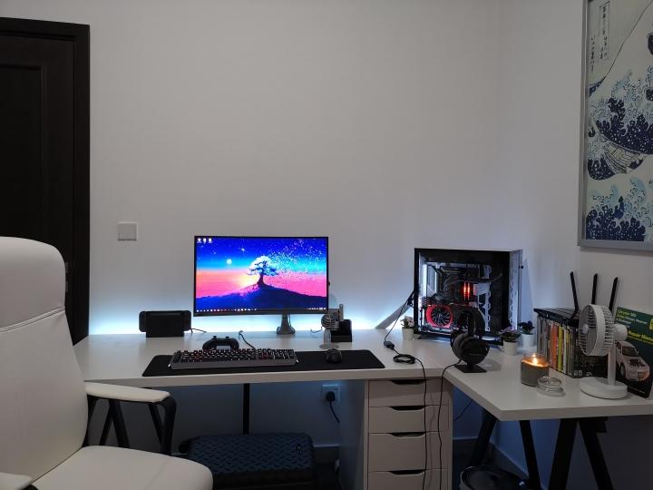 Show_Your_PC_Desk_Part202_31.jpg