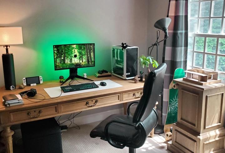 Show_Your_PC_Desk_Part202_36.jpg