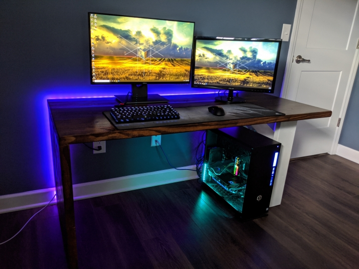 Show_Your_PC_Desk_Part202_42.jpg