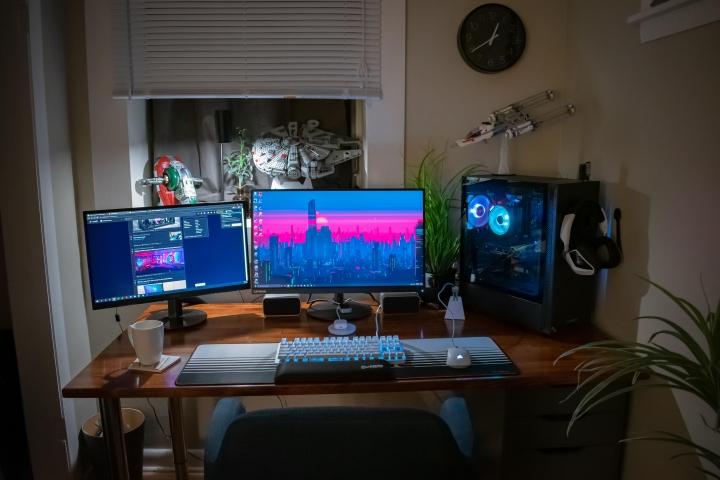 Show_Your_PC_Desk_Part202_55.jpg