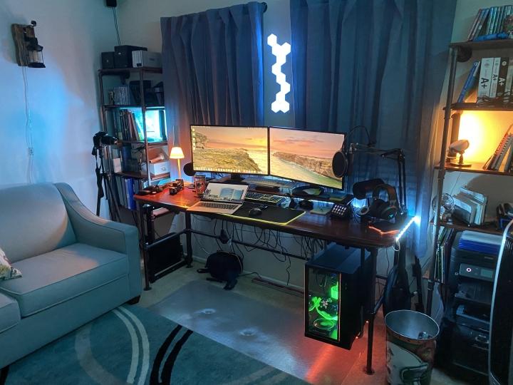 Show_Your_PC_Desk_Part202_57.jpg