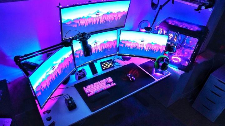 Show_Your_PC_Desk_Part202_78.jpg