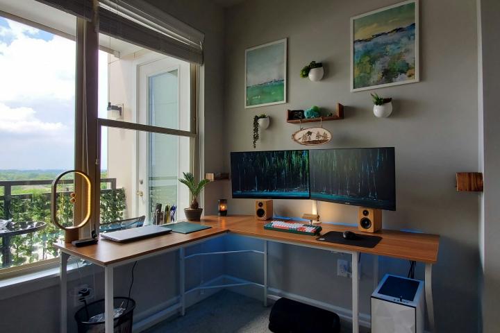 Show_Your_PC_Desk_Part203_01.jpg