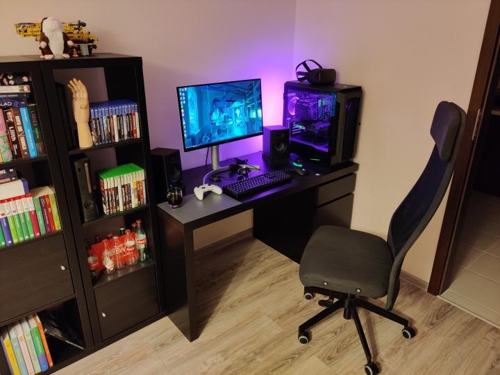 Show_Your_PC_Desk_Part203_11.jpg