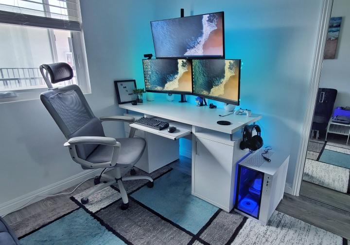 Show_Your_PC_Desk_Part203_19.jpg