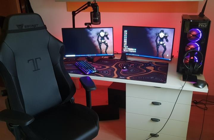 Show_Your_PC_Desk_Part203_23.jpg