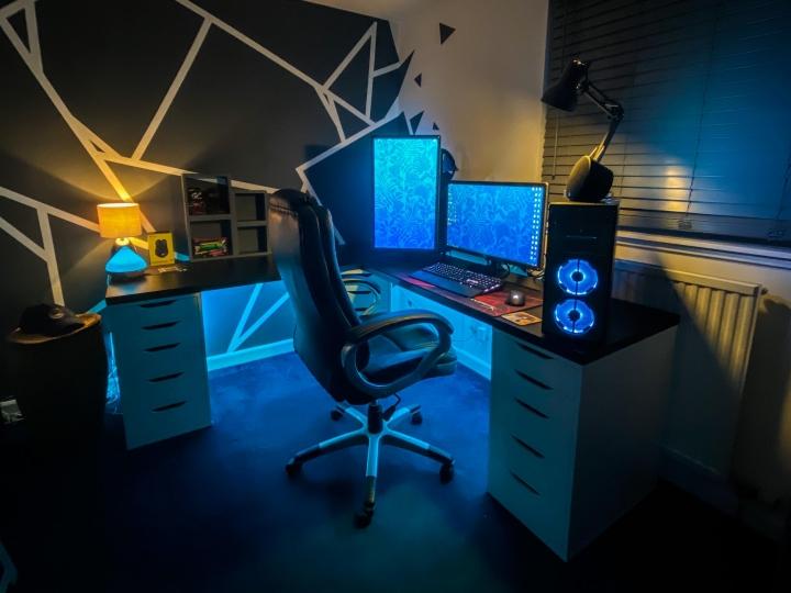 Show_Your_PC_Desk_Part203_24.jpg