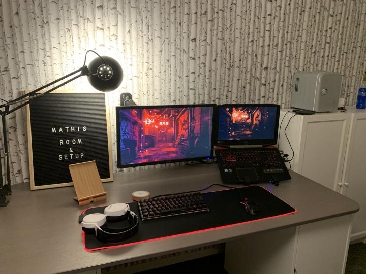Show_Your_PC_Desk_Part203_60.jpg