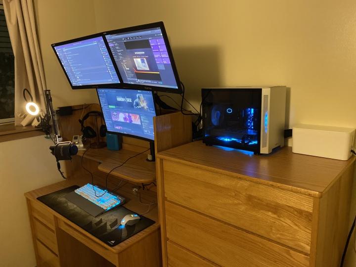 Show_Your_PC_Desk_Part203_90.jpg