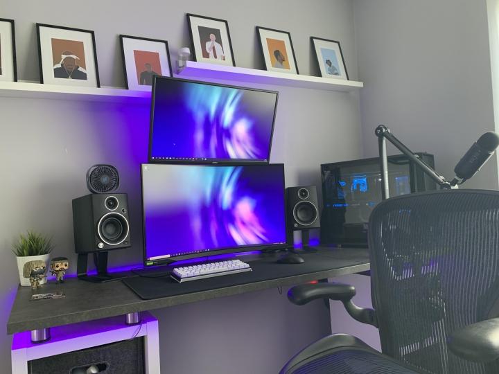 Show_Your_PC_Desk_Part204_03.jpg