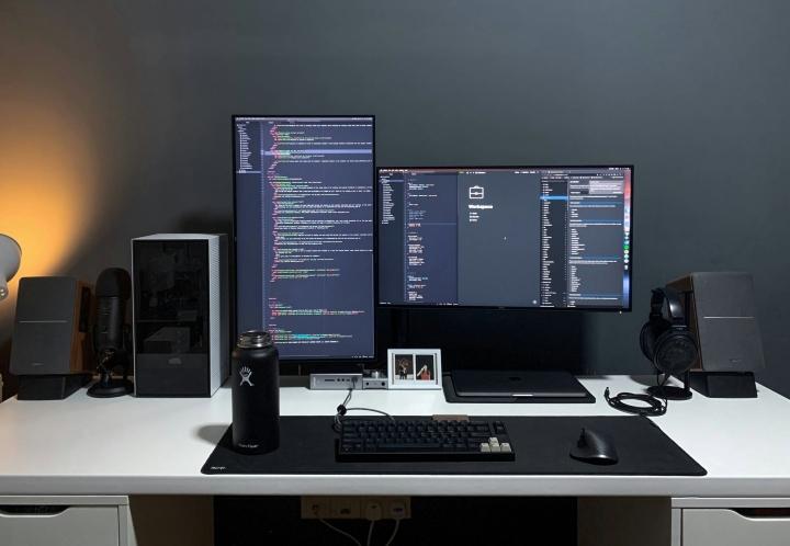 Show_Your_PC_Desk_Part204_08.jpg
