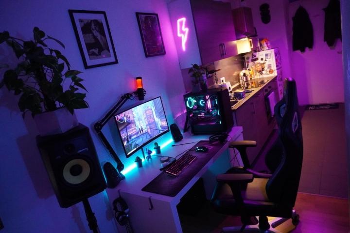 Show_Your_PC_Desk_Part204_100.jpg