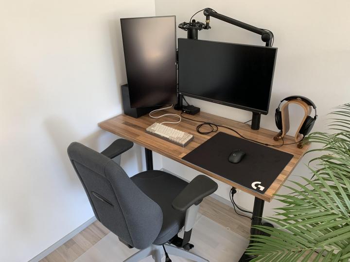 Show_Your_PC_Desk_Part204_11.jpg