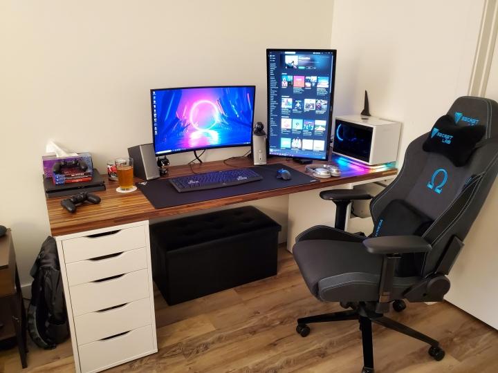 Show_Your_PC_Desk_Part204_23.jpg