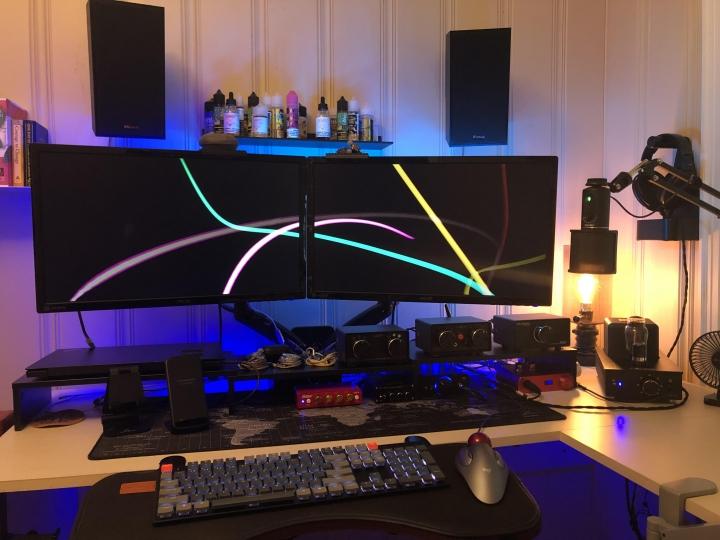 Show_Your_PC_Desk_Part204_25.jpg