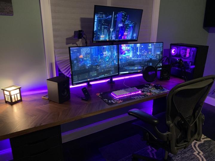 Show_Your_PC_Desk_Part204_33.jpg