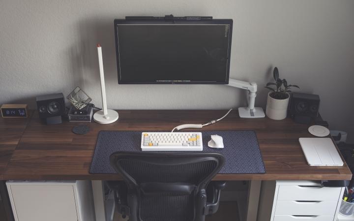 Show_Your_PC_Desk_Part204_40.jpg