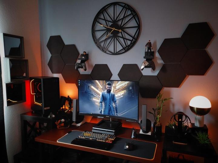 Show_Your_PC_Desk_Part204_41.jpg