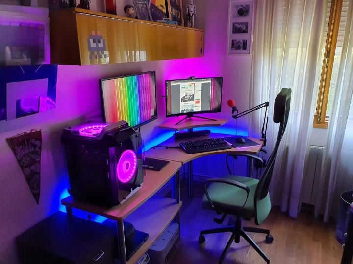Show_Your_PC_Desk_Part204_45.jpg
