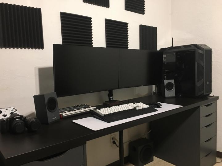 Show_Your_PC_Desk_Part204_49.jpg