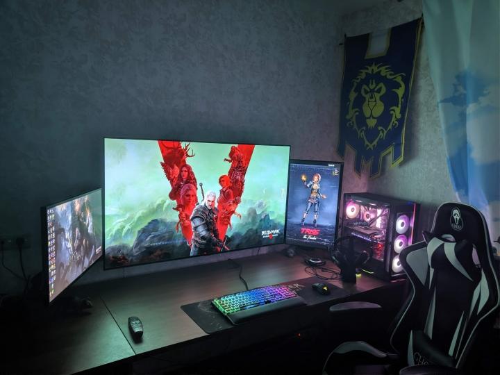 Show_Your_PC_Desk_Part204_54.jpg