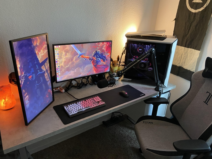 Show_Your_PC_Desk_Part204_62.jpg