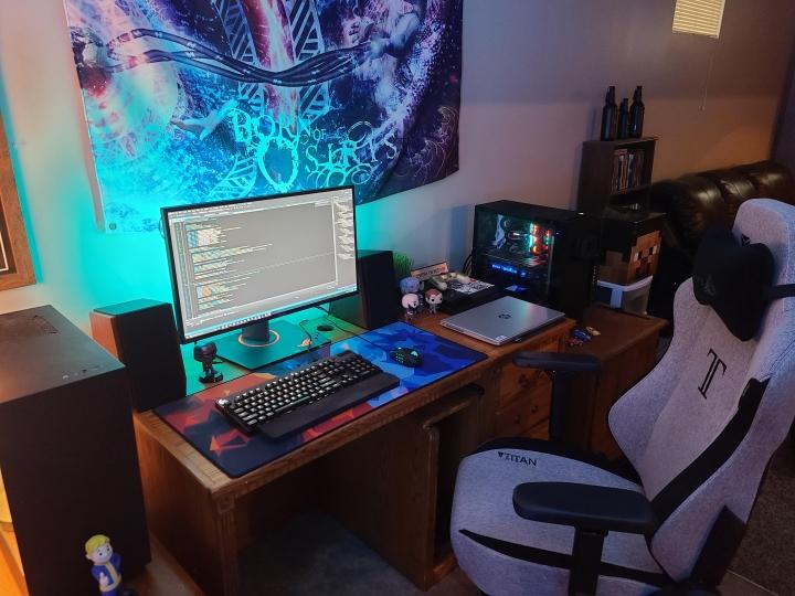 Show_Your_PC_Desk_Part204_72.jpg