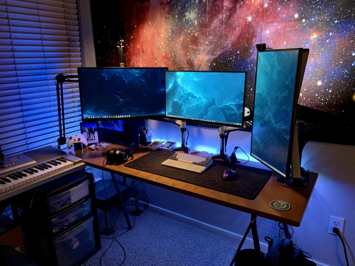 Show_Your_PC_Desk_Part204_75.jpg