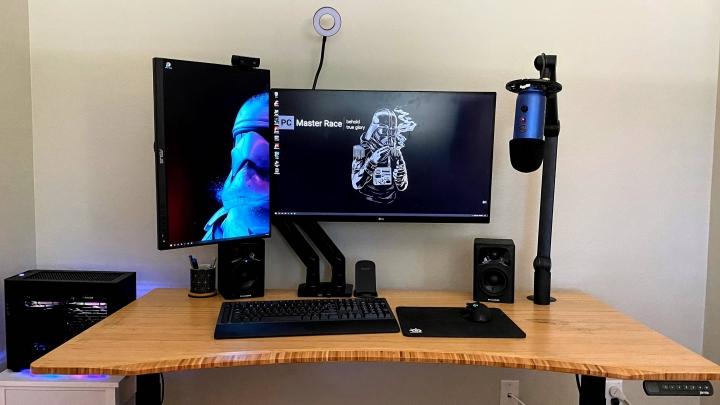 Show_Your_PC_Desk_Part204_80.jpg