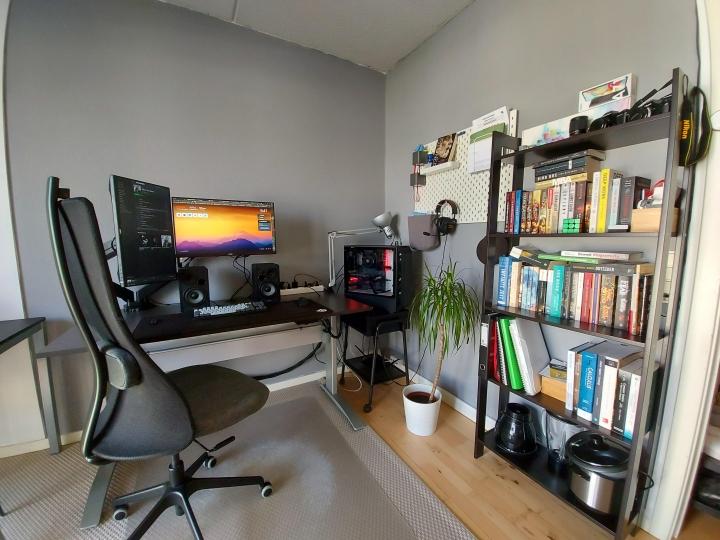 Show_Your_PC_Desk_Part204_90.jpg