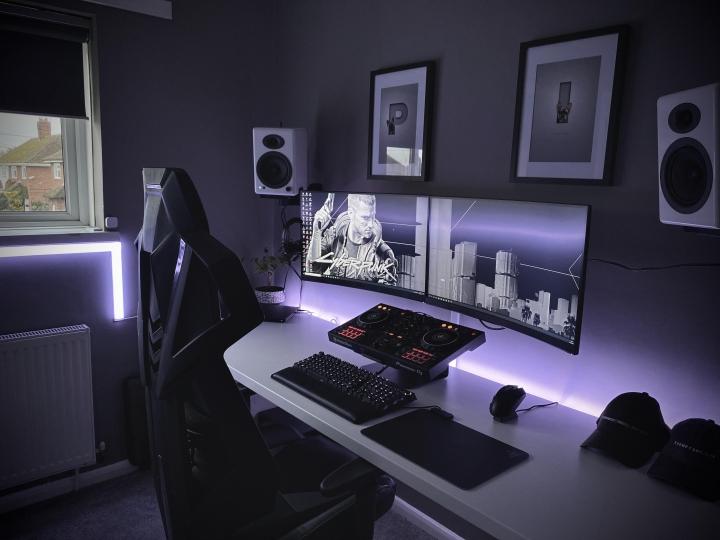 Show_Your_PC_Desk_Part204_96.jpg
