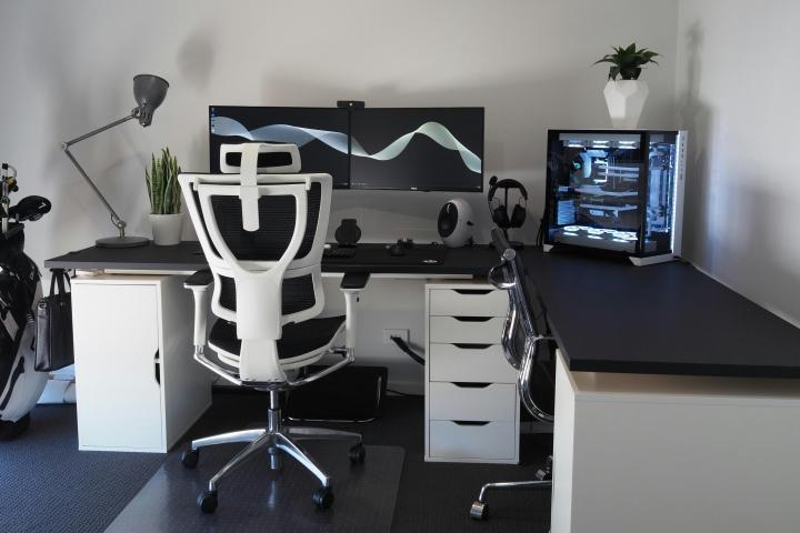 Show_Your_PC_Desk_Part205_01.jpg