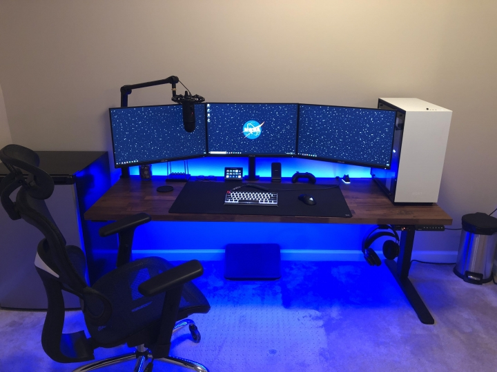 Show_Your_PC_Desk_Part205_12.jpg