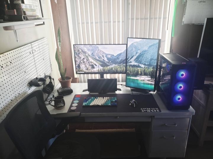 Show_Your_PC_Desk_Part205_17.jpg