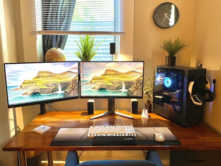 Show_Your_PC_Desk_Part205_33.jpg