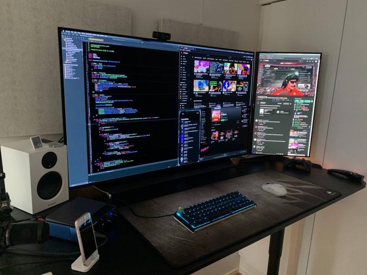Show_Your_PC_Desk_Part205_41.jpg