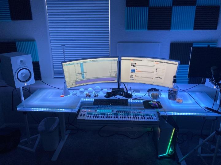 Show_Your_PC_Desk_Part205_47.jpg