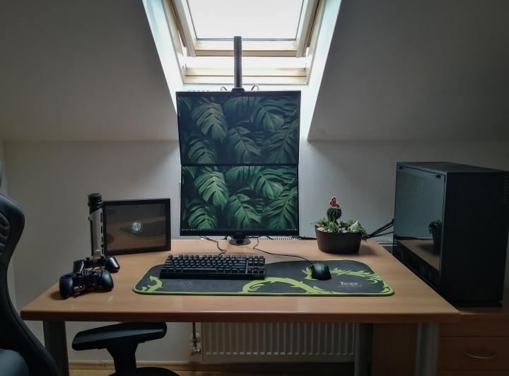 Show_Your_PC_Desk_Part205_51.jpg
