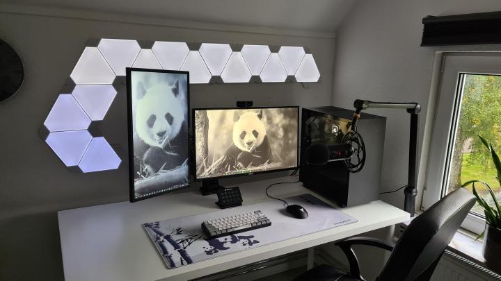 Show_Your_PC_Desk_Part205_71.jpg