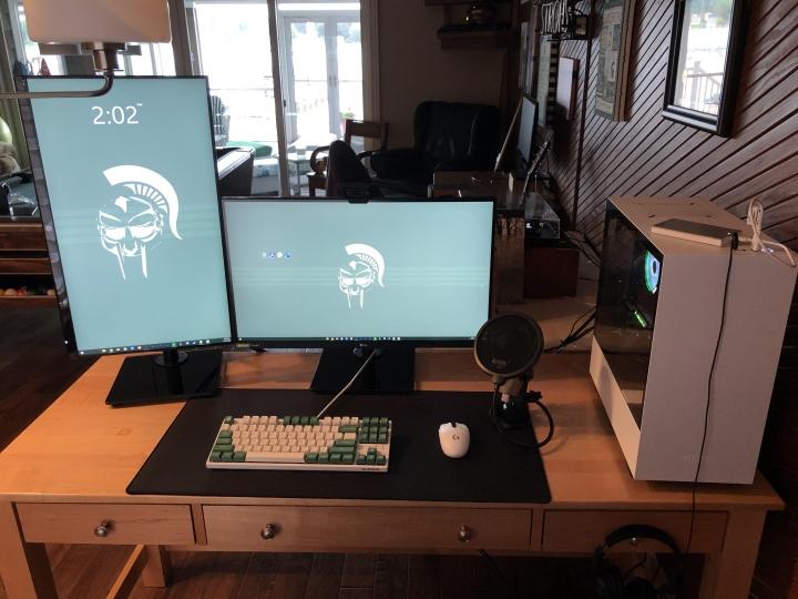 Show_Your_PC_Desk_Part205_84.jpg