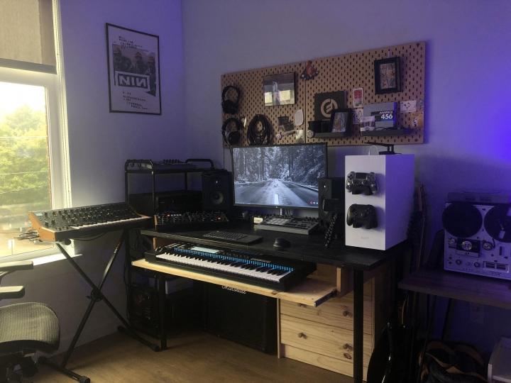 Show_Your_PC_Desk_Part205_90.jpg